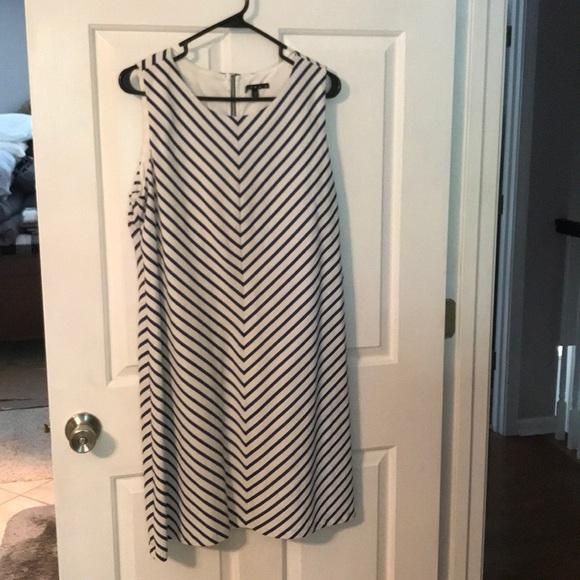 Tiana B. Dresses & Skirts - Striped sleeveless dress.